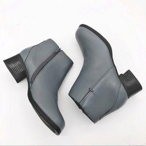 AJ Valenci NWOT Gray Side Zip Leather Booties